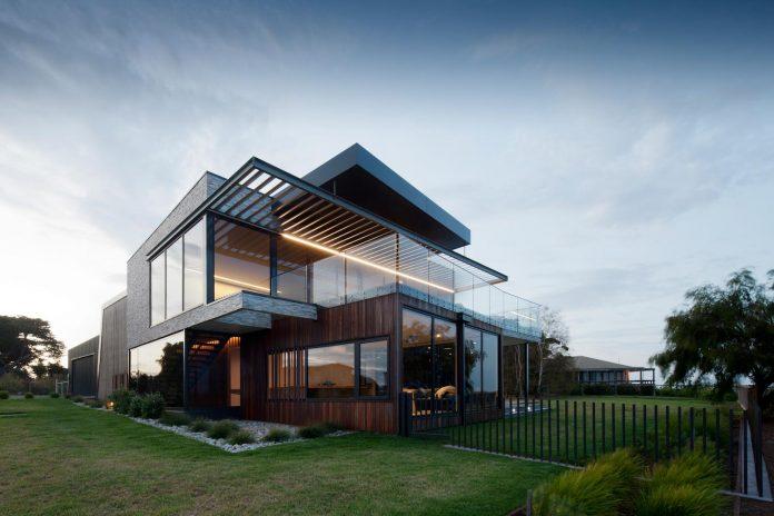 bold-sharp-textural-design-rhyll-villa-jarchitecture-16