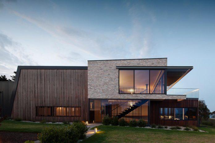 bold-sharp-textural-design-rhyll-villa-jarchitecture-17