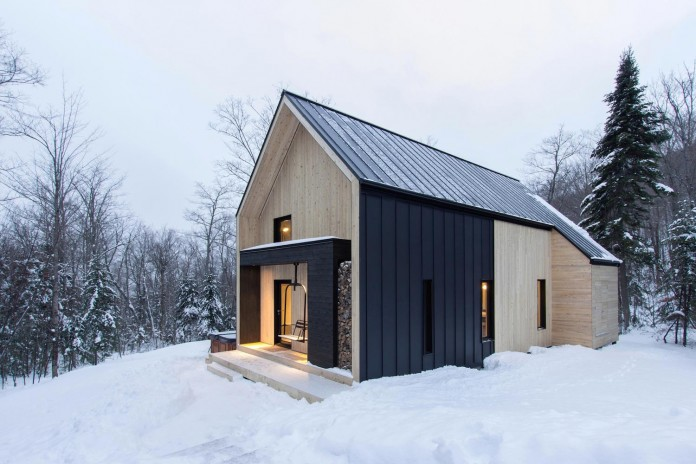 cargo-architecture-design-villa-boreale-charming-contemporary-residence-located-charlevoix-03