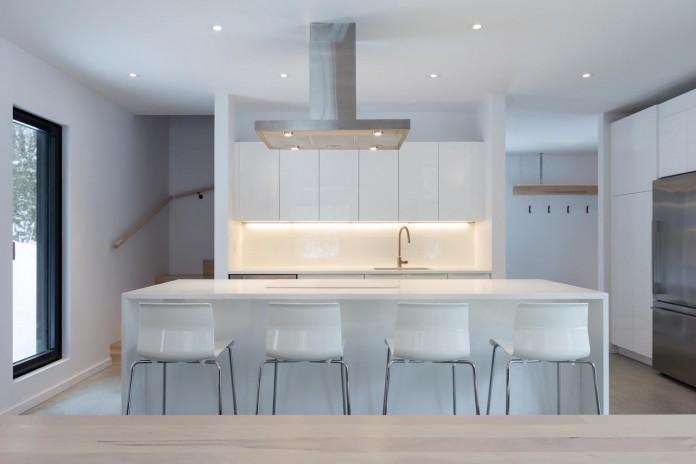 cargo-architecture-design-villa-boreale-charming-contemporary-residence-located-charlevoix-10