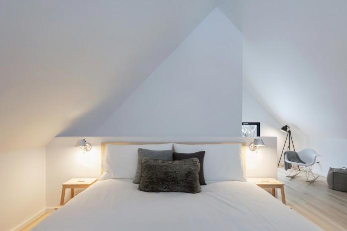 cargo-architecture-design-villa-boreale-charming-contemporary-residence-located-charlevoix-13