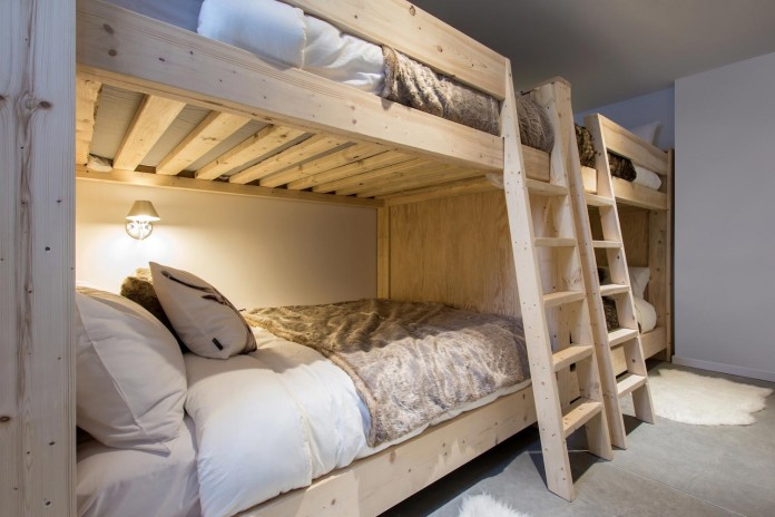 cargo-architecture-design-villa-boreale-charming-contemporary-residence-located-charlevoix-17