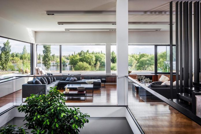casa-rampa-surrounded-forests-incredible-views-limay-river-andres-remy-arquitectos-11