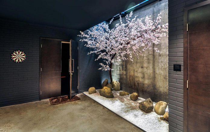 classic-exterior-modern-interior-t-house-ha-noi-designed-abs-corporation-20