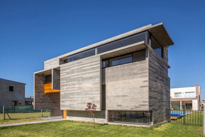 contemporary-berazategui-house-designed-besonias-almeida-arquitectos-02