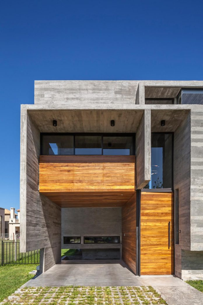 contemporary-berazategui-house-designed-besonias-almeida-arquitectos-06