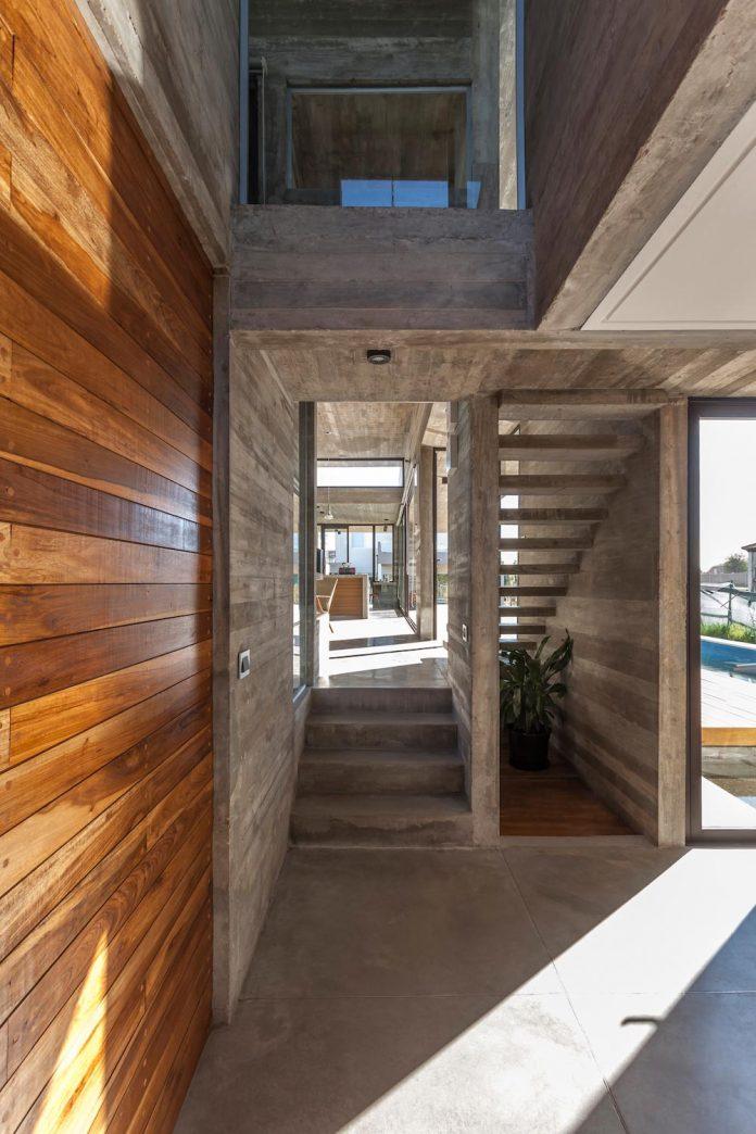 contemporary-berazategui-house-designed-besonias-almeida-arquitectos-07