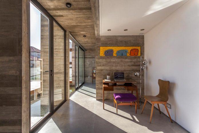 contemporary-berazategui-house-designed-besonias-almeida-arquitectos-09