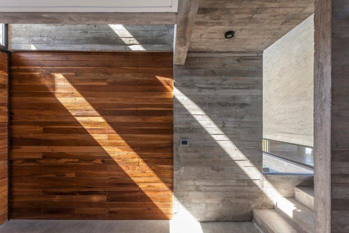 contemporary-berazategui-house-designed-besonias-almeida-arquitectos-10