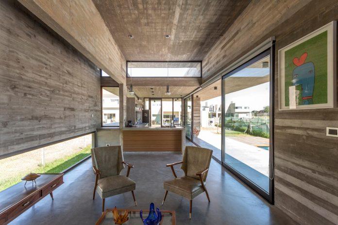 contemporary-berazategui-house-designed-besonias-almeida-arquitectos-13