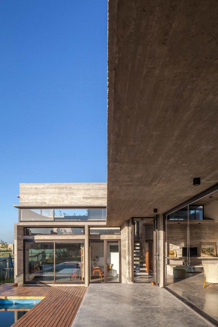 contemporary-berazategui-house-designed-besonias-almeida-arquitectos-16