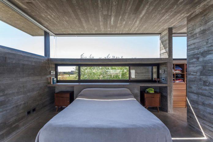 contemporary-berazategui-house-designed-besonias-almeida-arquitectos-19