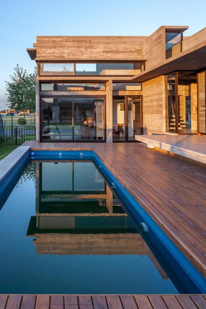 contemporary-berazategui-house-designed-besonias-almeida-arquitectos-23