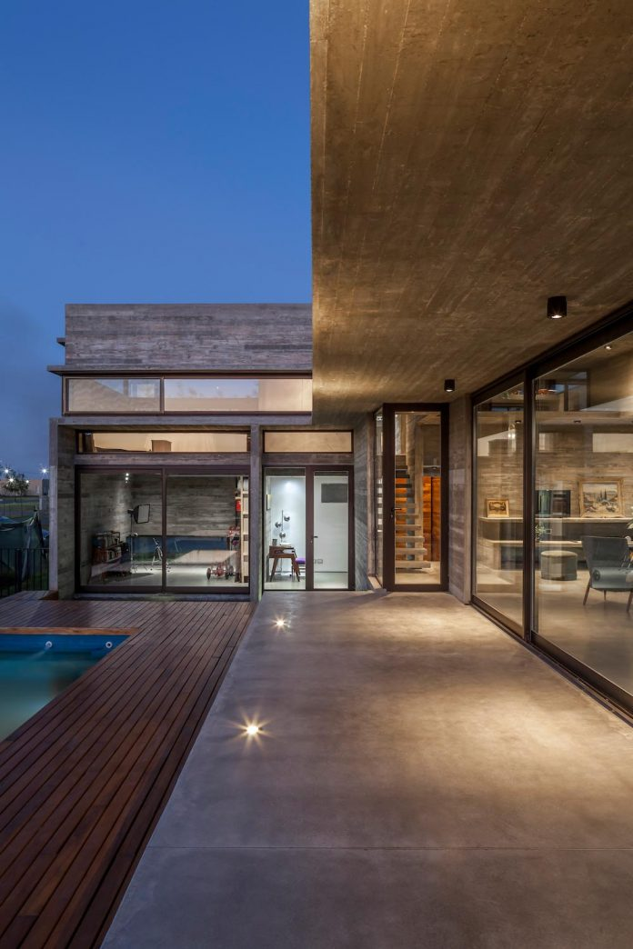 contemporary-berazategui-house-designed-besonias-almeida-arquitectos-24