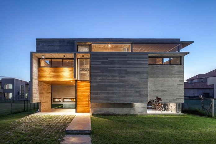 contemporary-berazategui-house-designed-besonias-almeida-arquitectos-25
