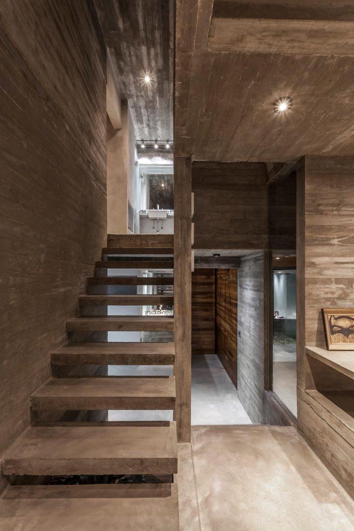 contemporary-berazategui-house-designed-besonias-almeida-arquitectos-29