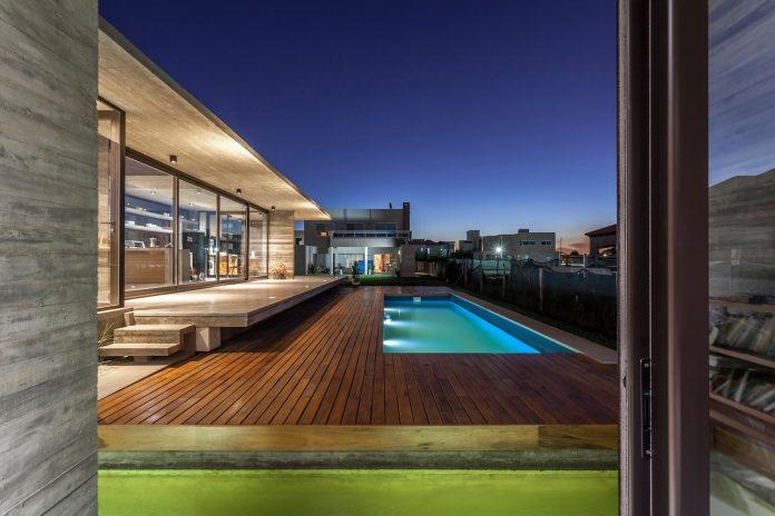 contemporary-berazategui-house-designed-besonias-almeida-arquitectos-30