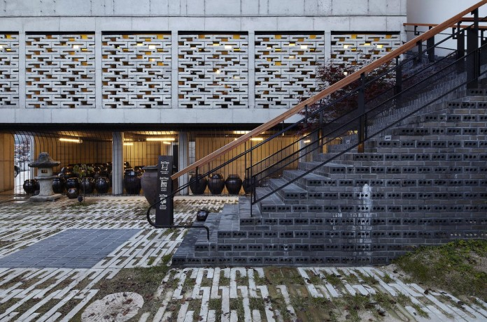 cool-full-grey-concrete-outside-look-bright-interior-ground-wall-fhhh-friends-02
