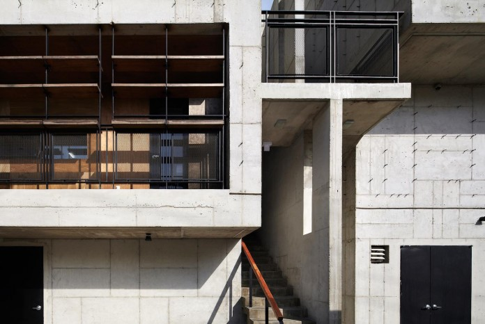 cool-full-grey-concrete-outside-look-bright-interior-ground-wall-fhhh-friends-04
