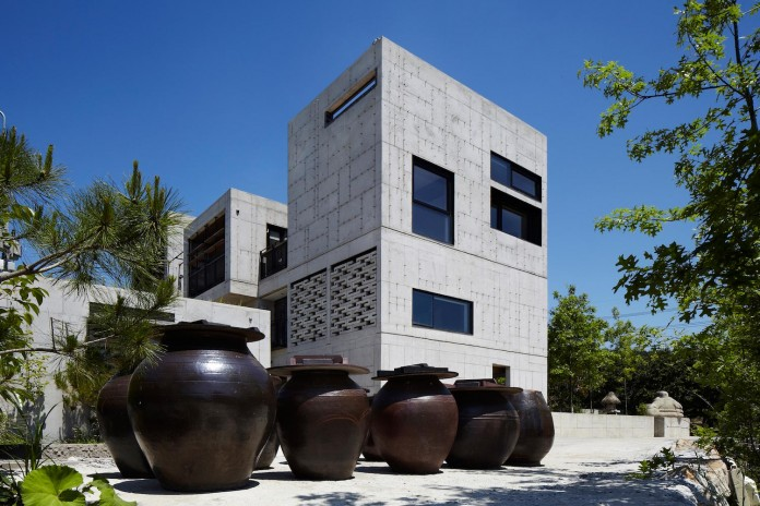 cool-full-grey-concrete-outside-look-bright-interior-ground-wall-fhhh-friends-10