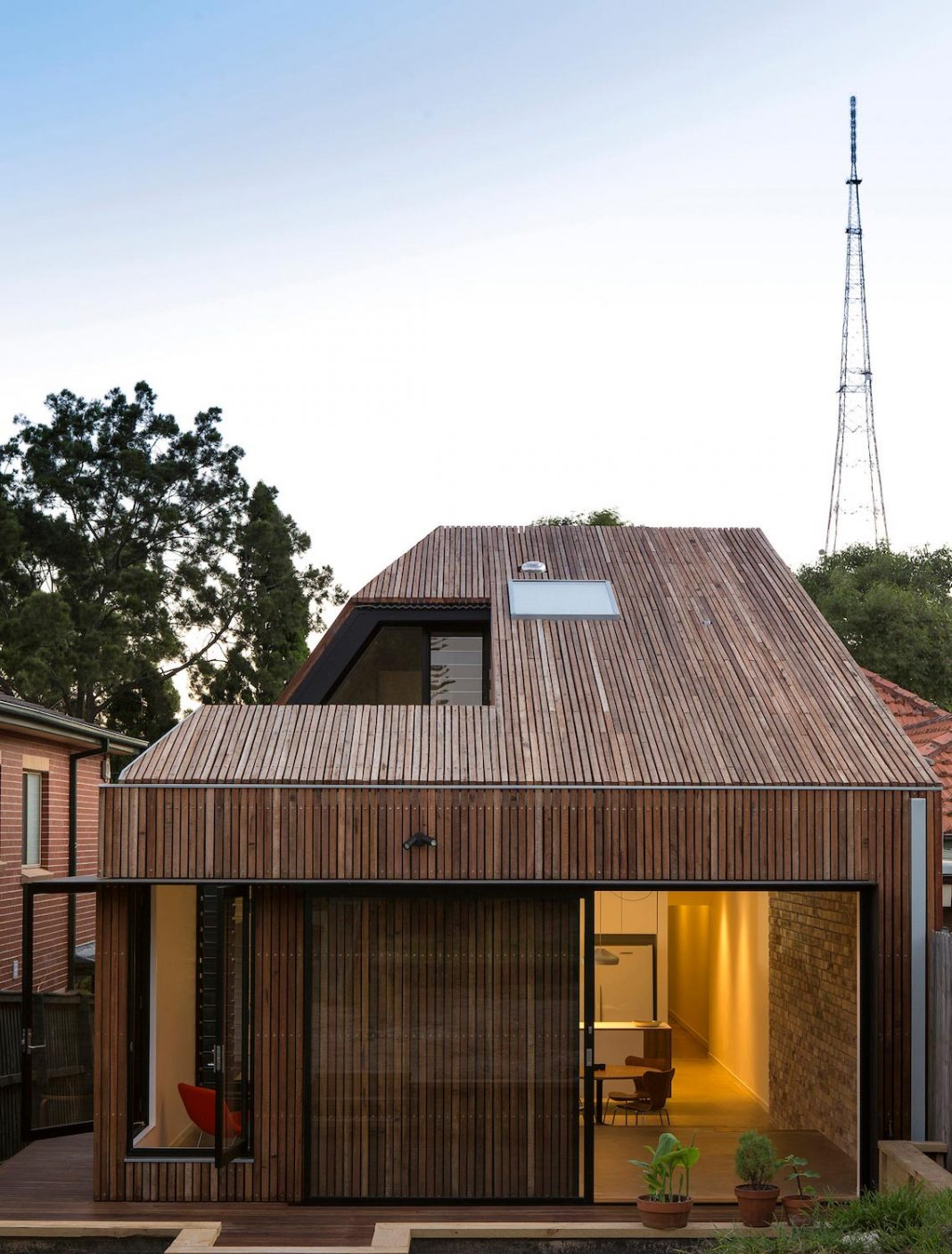 Cut away roof house a contemporary timber clad 2 storey for Contemporary timber homes