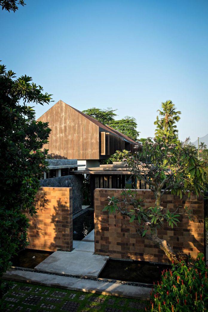 dra-villa-envisioned-family-retreat-set-tropical-landscape-bali-d-associates-03