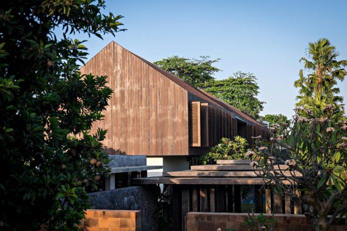 dra-villa-envisioned-family-retreat-set-tropical-landscape-bali-d-associates-04