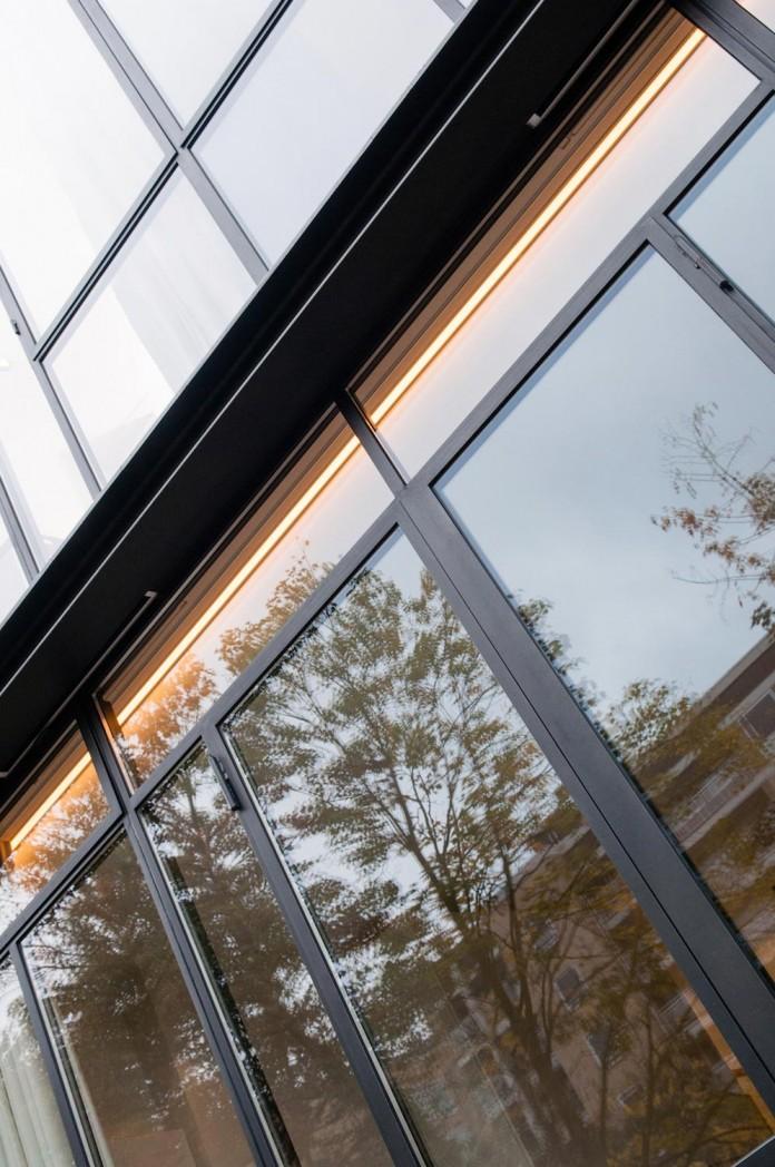 dutch-design-studio-lab-s-renovated-30s-row-house-city-utrecht-04
