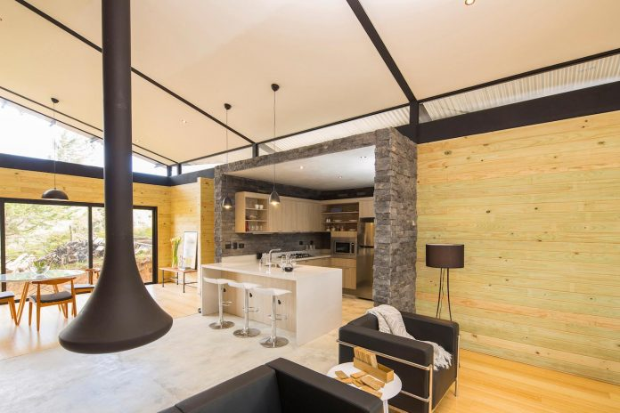 efc-contemporary-cabin-small-forest-oak-trees-designed-void-08
