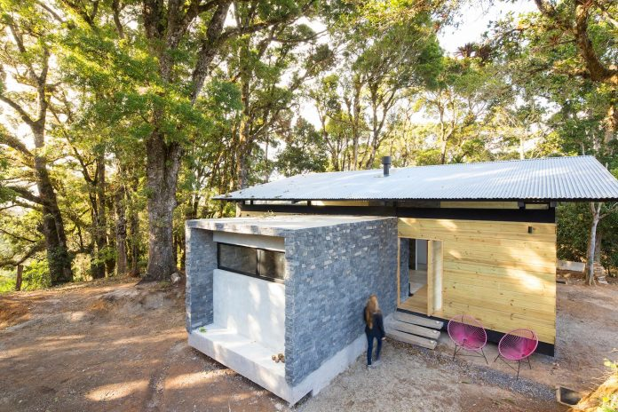efc-contemporary-cabin-small-forest-oak-trees-designed-void-11