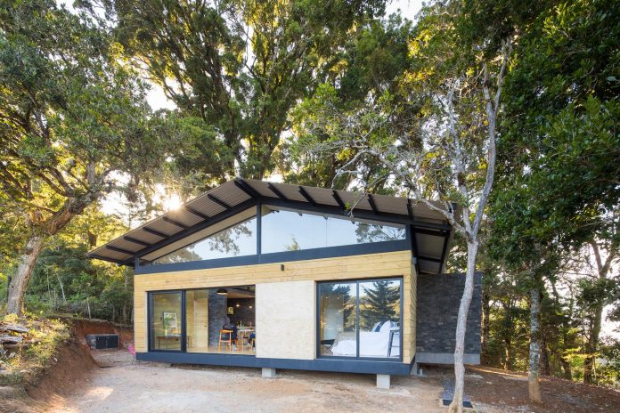 efc-contemporary-cabin-small-forest-oak-trees-designed-void-12
