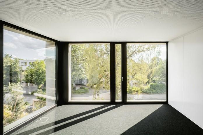 fhv-architectes-design-st-sulpice-ii-villa-made-concrete-glass-metal-10