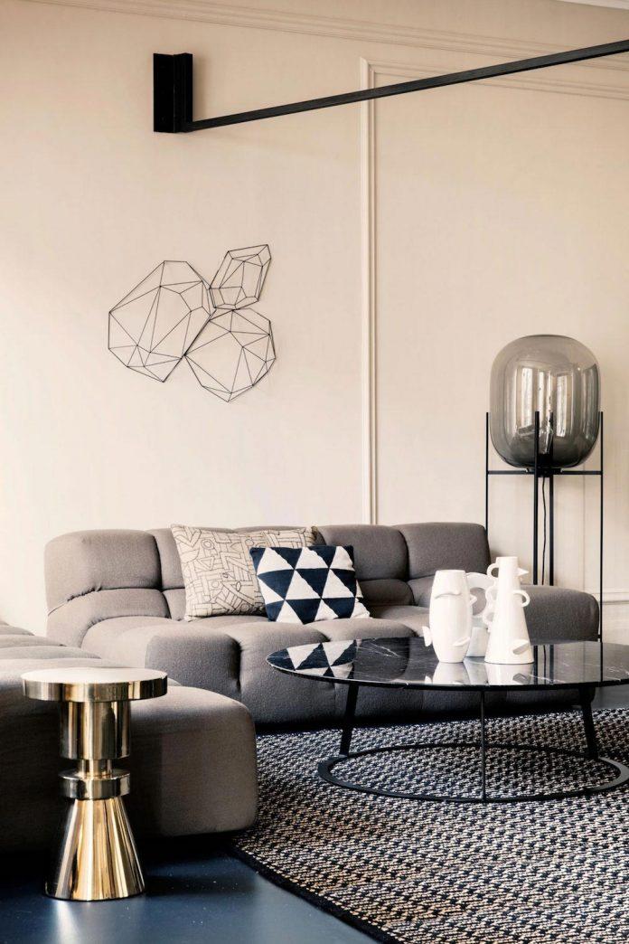 french-metal-rack-apartment-paris-uda-architetti-02