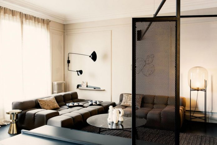 french-metal-rack-apartment-paris-uda-architetti-03