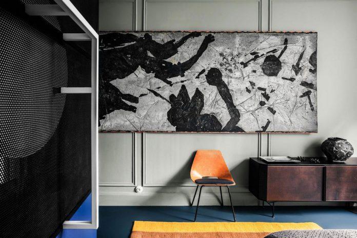 french-metal-rack-apartment-paris-uda-architetti-11