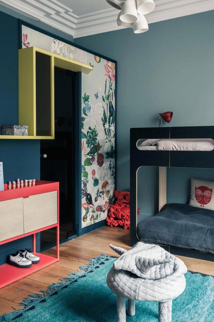 french-metal-rack-apartment-paris-uda-architetti-12