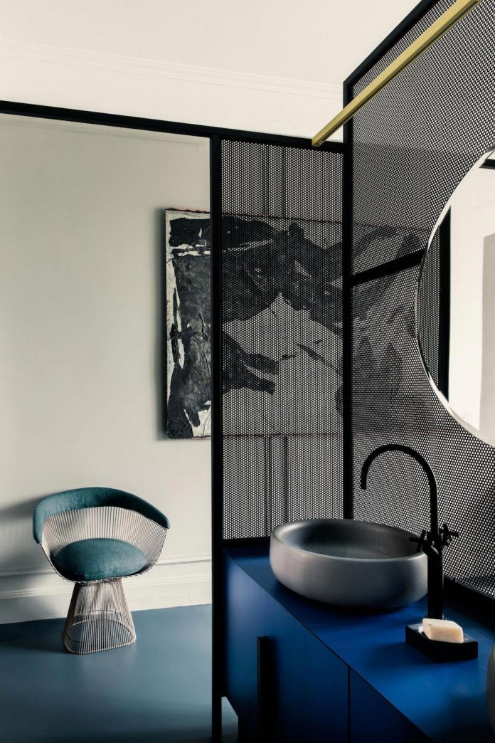 french-metal-rack-apartment-paris-uda-architetti-14
