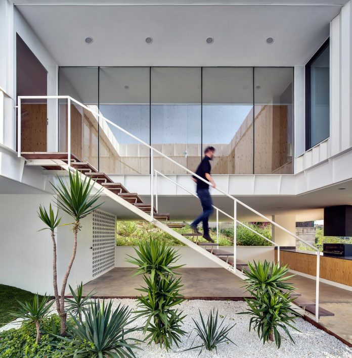 grnd82-design-ef-villa-arenys-de-mar-barcelona-mediterranean-sea-views-09