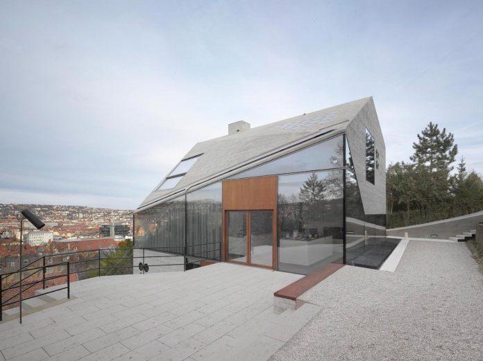 house-36-combining-stone-cavern-glass-house-matthias-bauer-associates-01