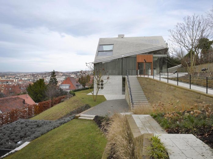 house-36-combining-stone-cavern-glass-house-matthias-bauer-associates-02