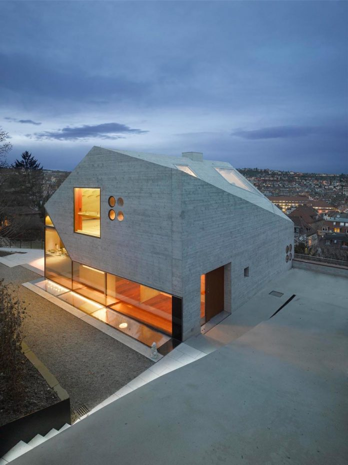 house-36-combining-stone-cavern-glass-house-matthias-bauer-associates-04
