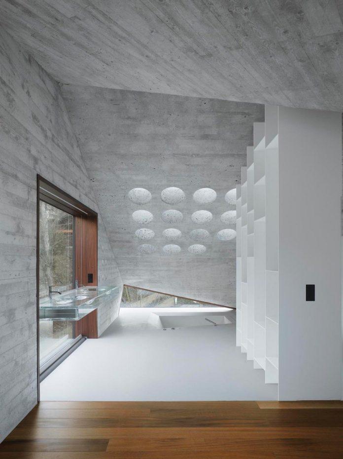 house-36-combining-stone-cavern-glass-house-matthias-bauer-associates-06