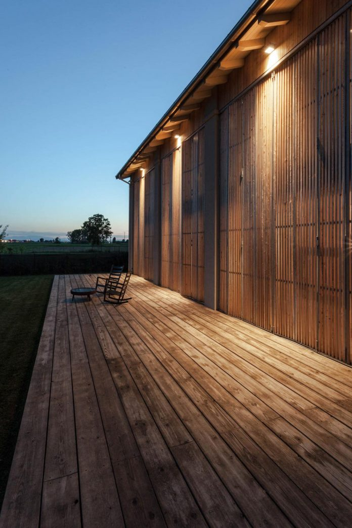 house-effe-e-recovery-old-country-barn-archiplan-studio-17