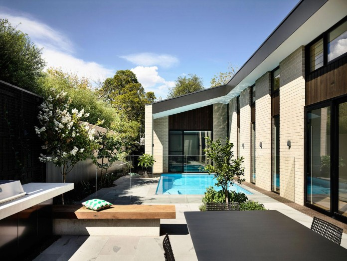 inform-design-custom-designed-eaglemont-house-contemporary-look-05