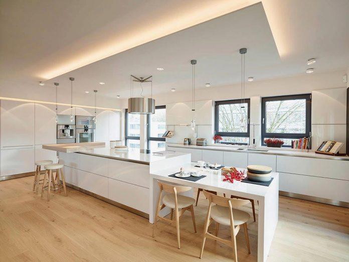josep-rua-spatial-designer-creates-bright-penthouse-valencia-spain-04