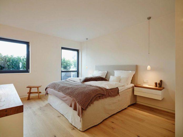 josep-rua-spatial-designer-creates-bright-penthouse-valencia-spain-11