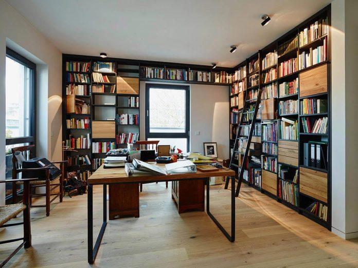josep-rua-spatial-designer-creates-bright-penthouse-valencia-spain-19
