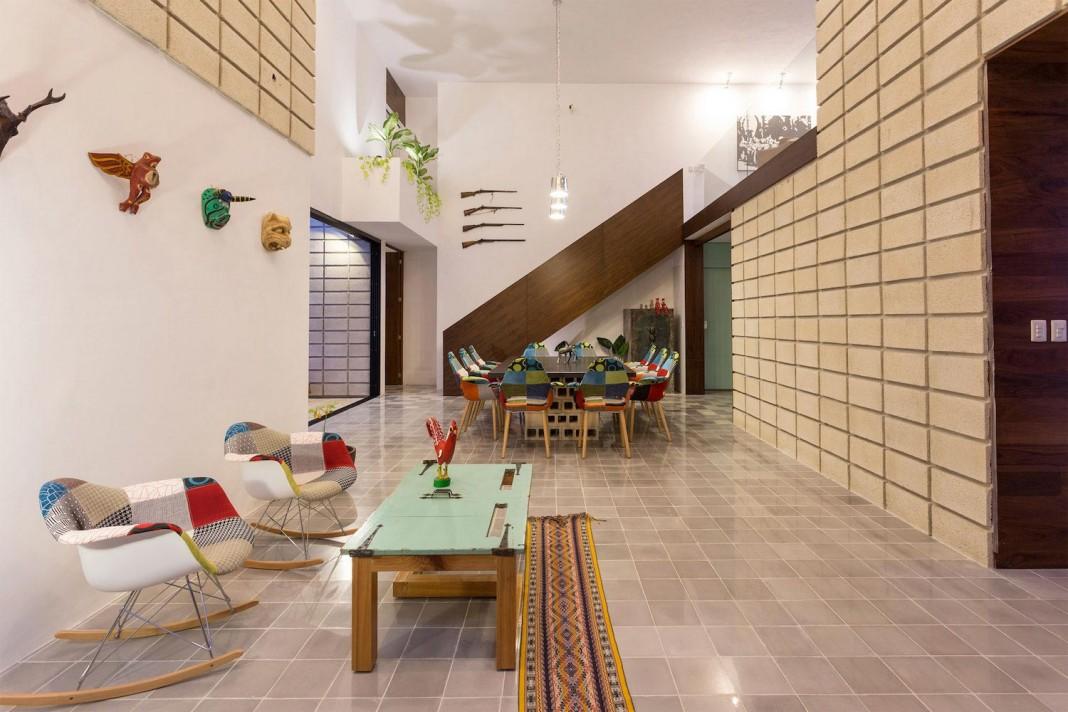 La Chaya House by Eureka Studio