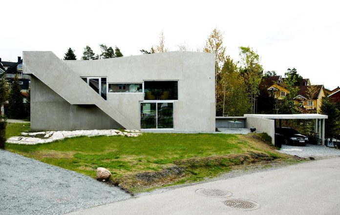 lie-oyen-arkitekter-design-tussefaret-villa-little-home-made-puzzle-prefabricated-concrete-elements-01