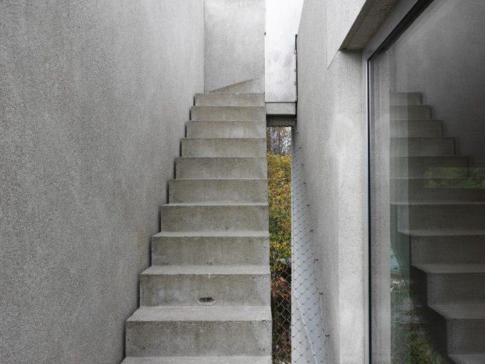 lie-oyen-arkitekter-design-tussefaret-villa-little-home-made-puzzle-prefabricated-concrete-elements-07